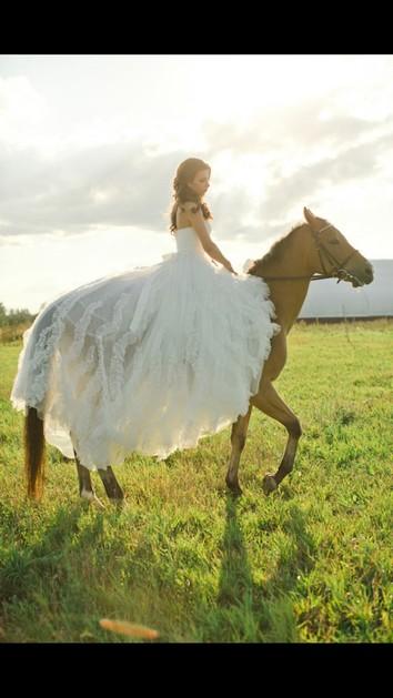 brideonhorsetranslucenttrainoverrear 1